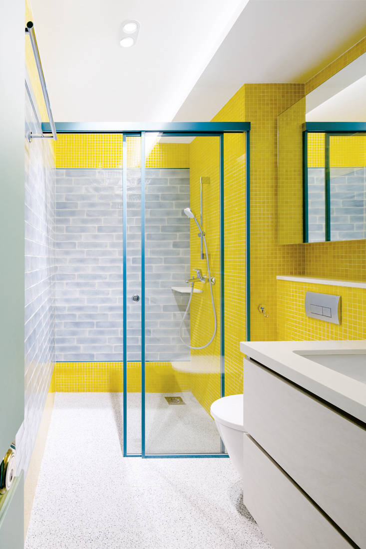 cat-friendly home | Linear Space Concepts - bathroom
