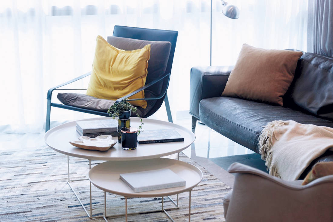 Carpenters Scandinavian open-concept - sitting room