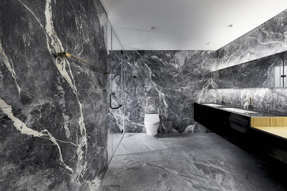Sino-Japanese ryokan | In-Expat Upstairs_ - bathroom