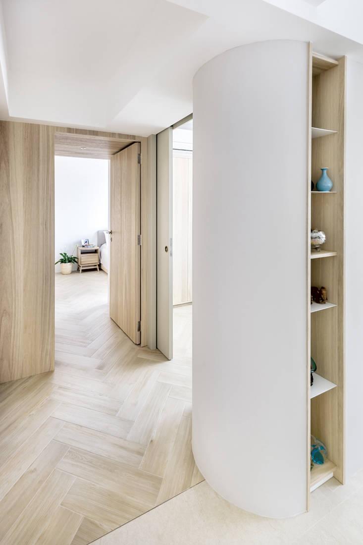 Minimalism at its best Artistroom - hallway