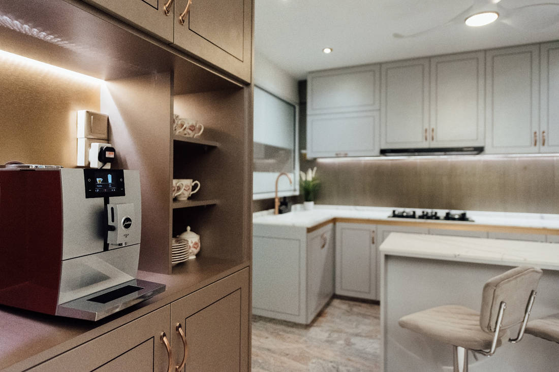 modern classic family home by Fatema Design Studio (10)