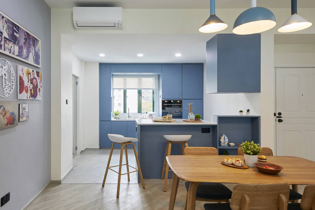 blue as main colour palette in resale condo by MET Interior (2)