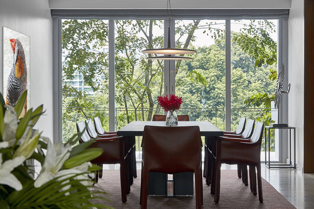 relaxed elegance in dining room designed by Perinelli Design