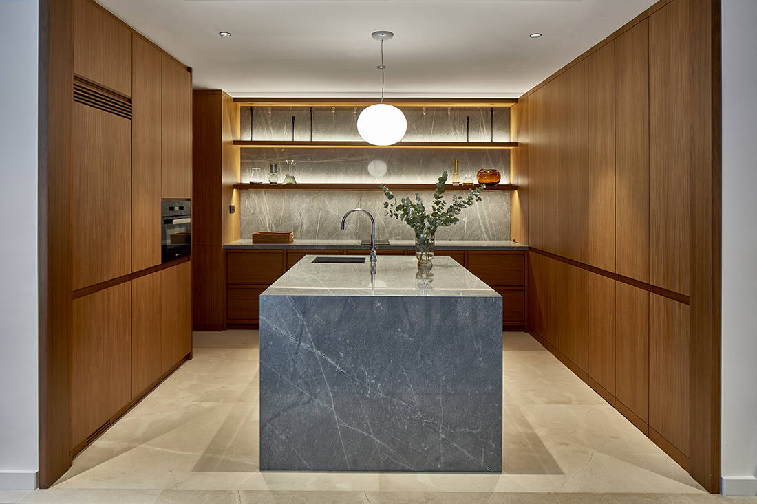 relaxed elegance in dry kitchen designed by Perinelli Design