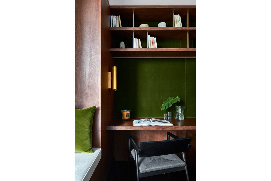 relaxed elegance in library designed by Perinelli Design