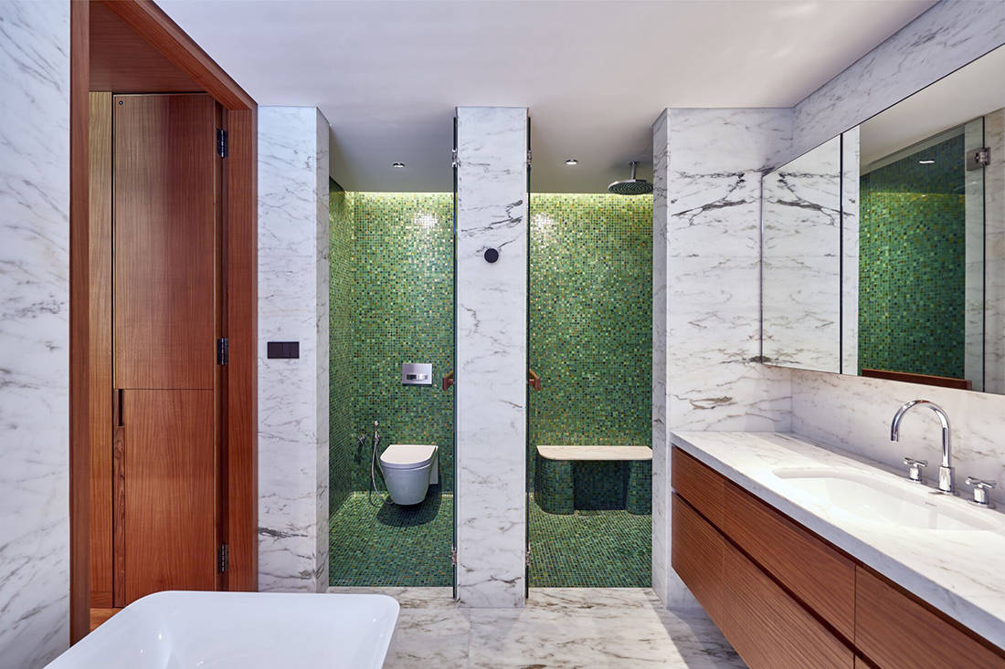 relaxed elegance in master bathroom designed by Perinelli Design