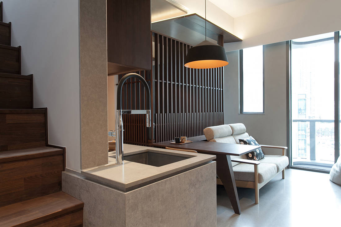 working from home in Alto Residences by Studio Adjective (4)