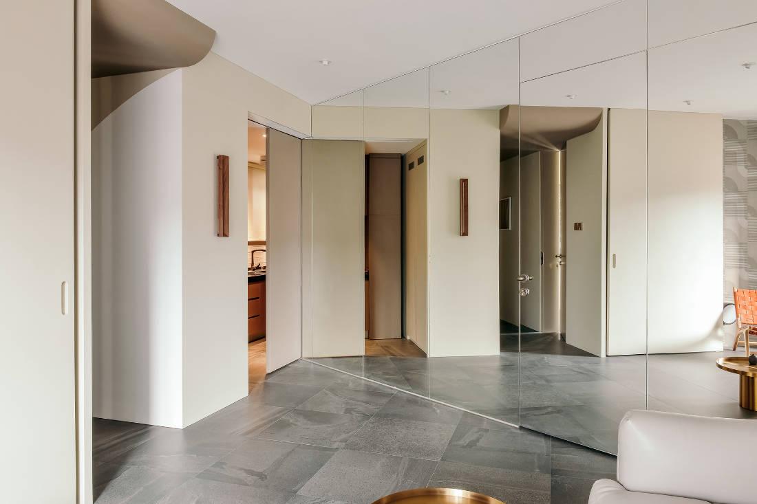 mirror-closet system in Shenzhen apartment that added walls - design by GE Design