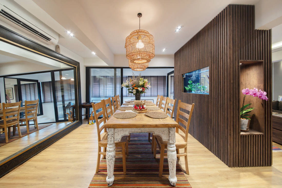 dining room in jumbo flat by Aart Boxx Interior