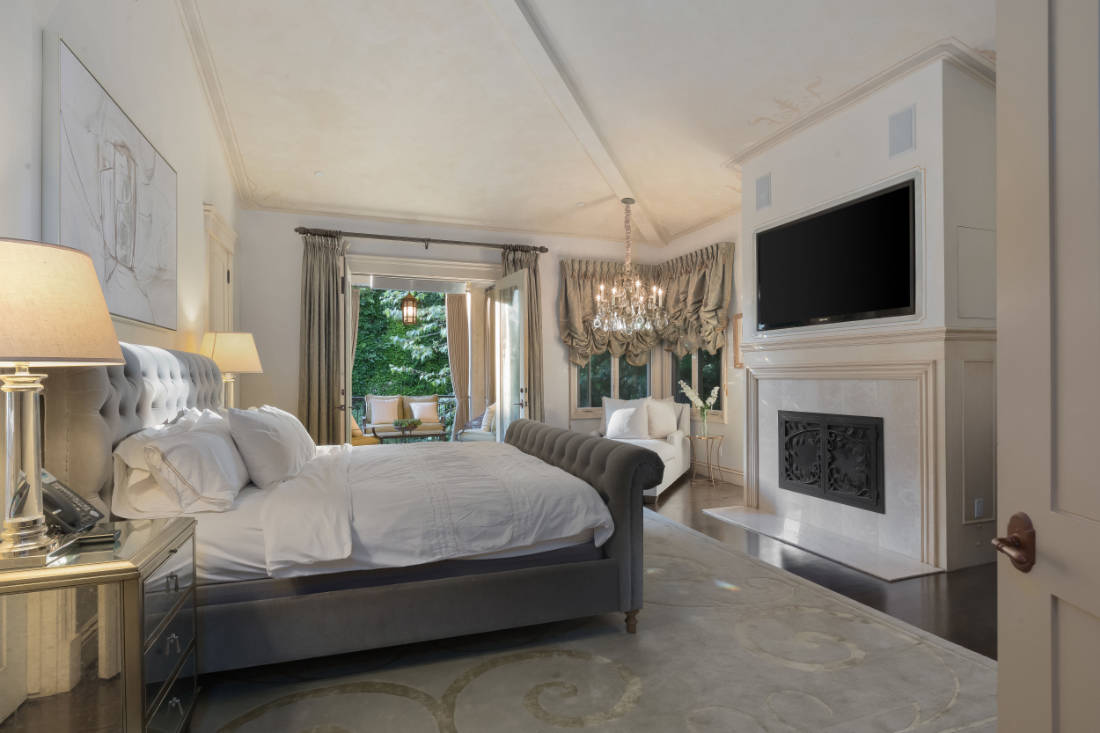 Britney Spears Beverly Hills mansion (11)