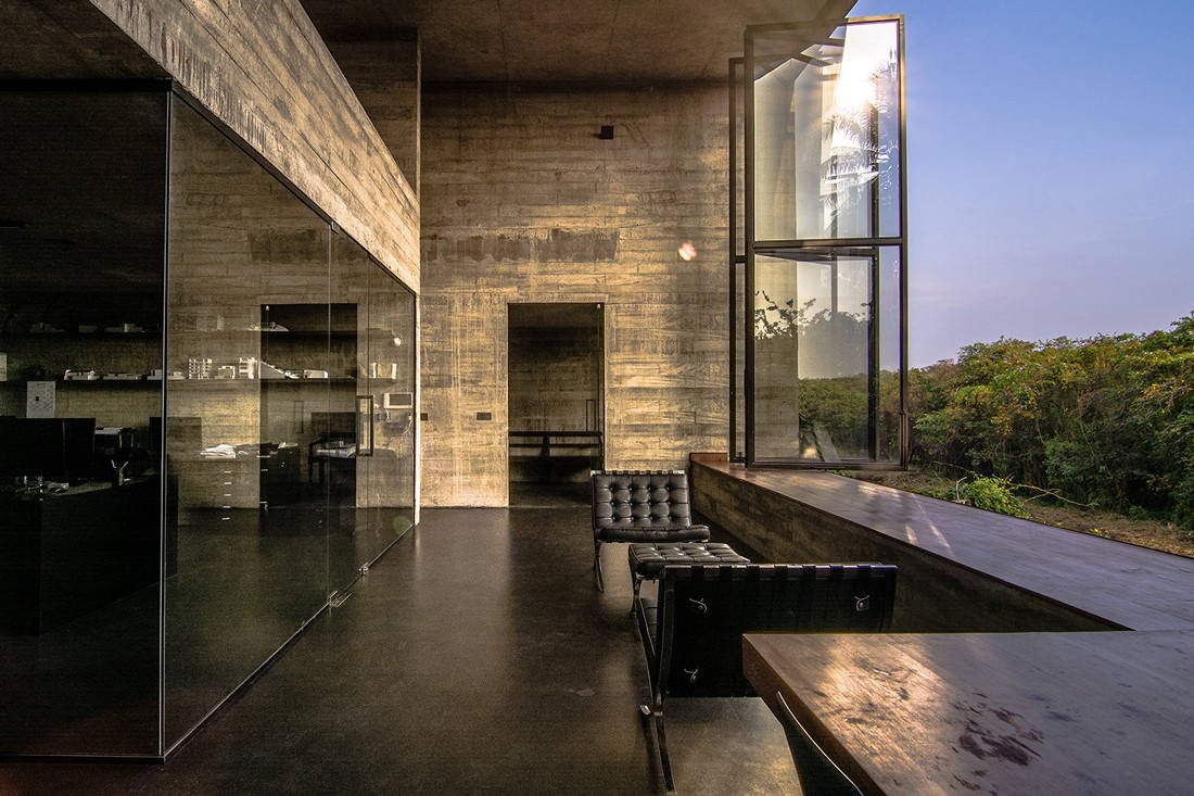 INDE.Awards 2020 Best of the Decade The Living Space Winner - Studio Dwelling by Palinda Kannangara Architects_image by Sebastian Posingis and Mahesh Mendis