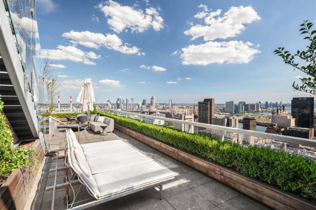 Jennifer Lawrence New York City penthouse outdoor terrace (3)