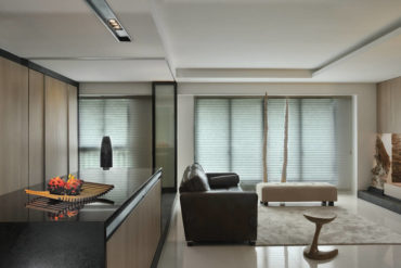 A flexible HDB flat that exhibits a theatrical quality