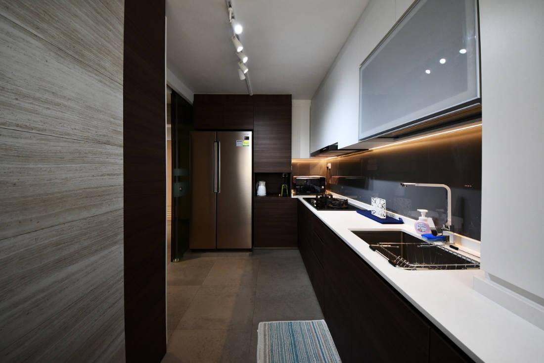 contemporary style resale flat kitchen by Vivre Creative Design