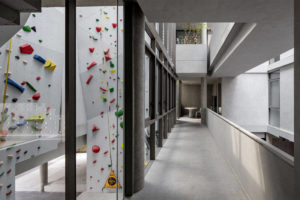 rock climbing wall house Anonym