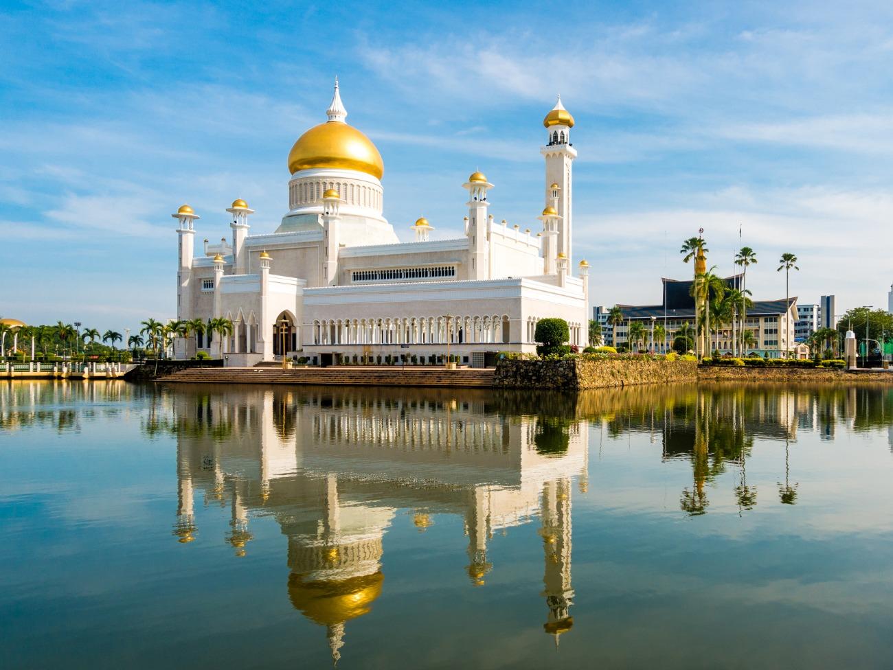 Brunei creates anti-gay laws, enforces death penalty, then