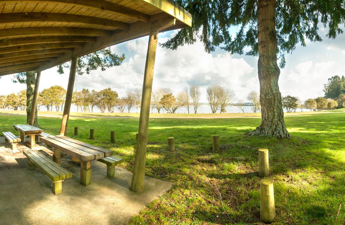 Rerewhakaaitu, Ash Pit Road Campsite