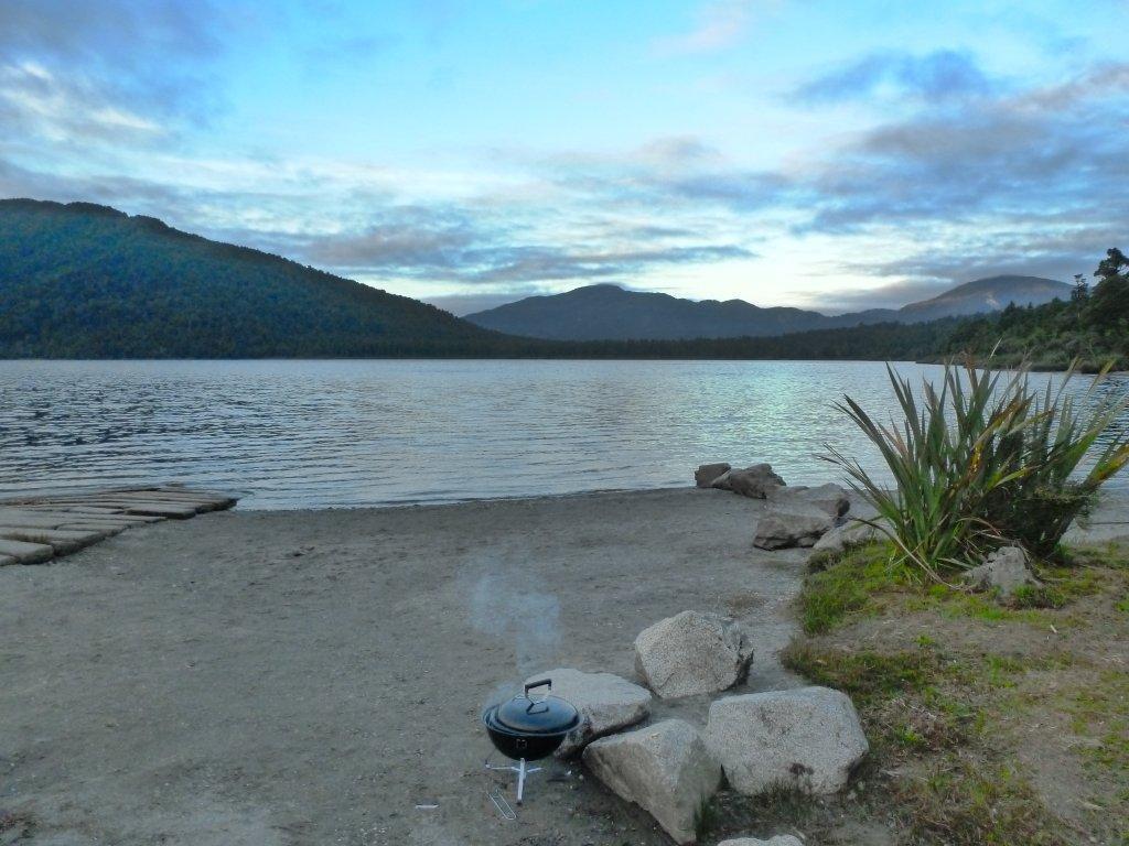 Lake Paringa Campsite