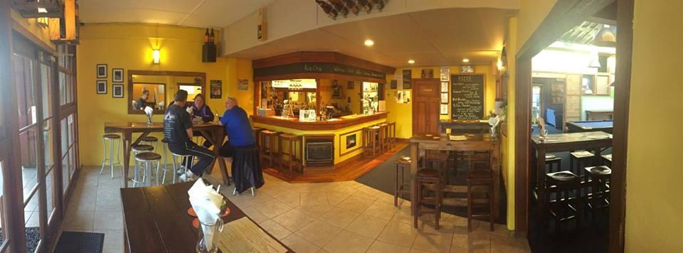 Anann - Pineapple Pub