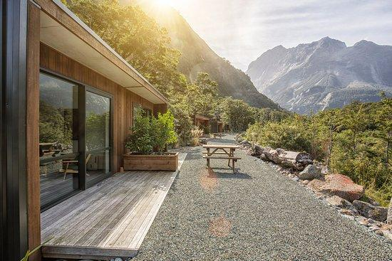 Milford Sound Lodge & Pio Pio Cafe