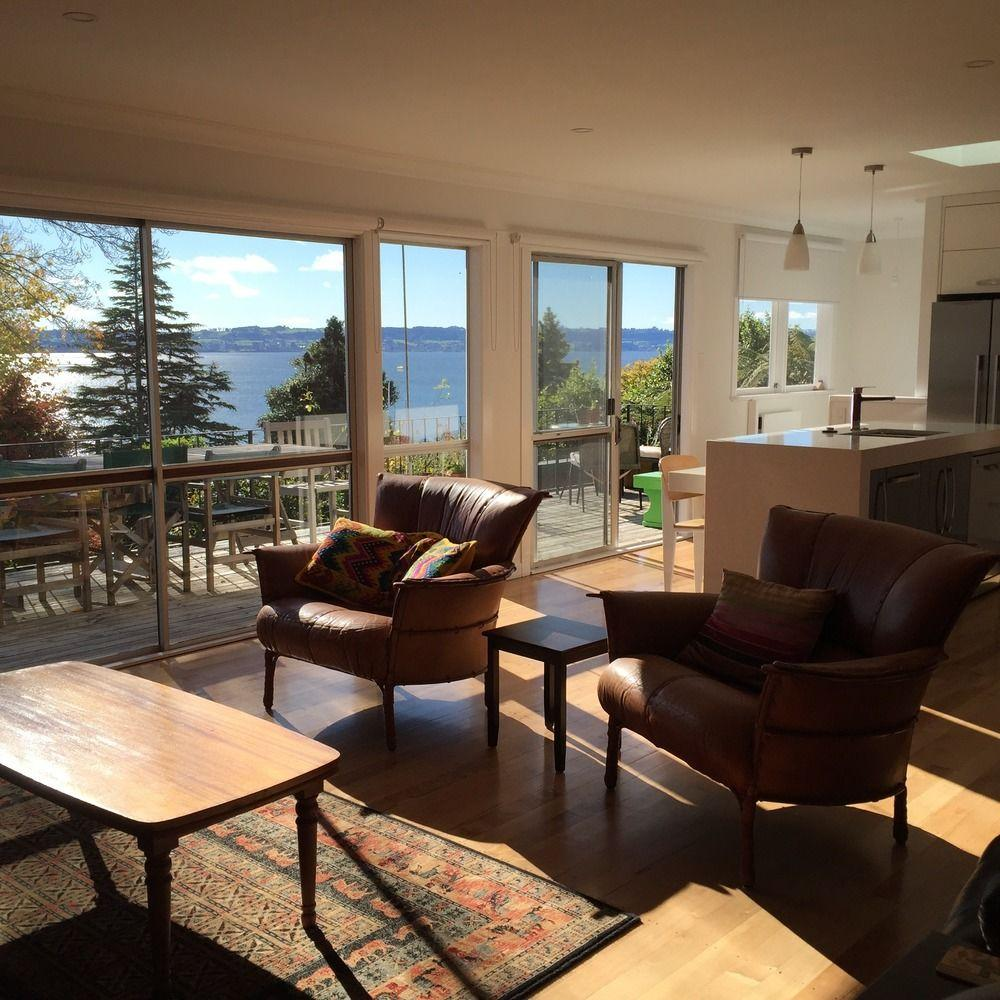 Lakeview Holiday Home