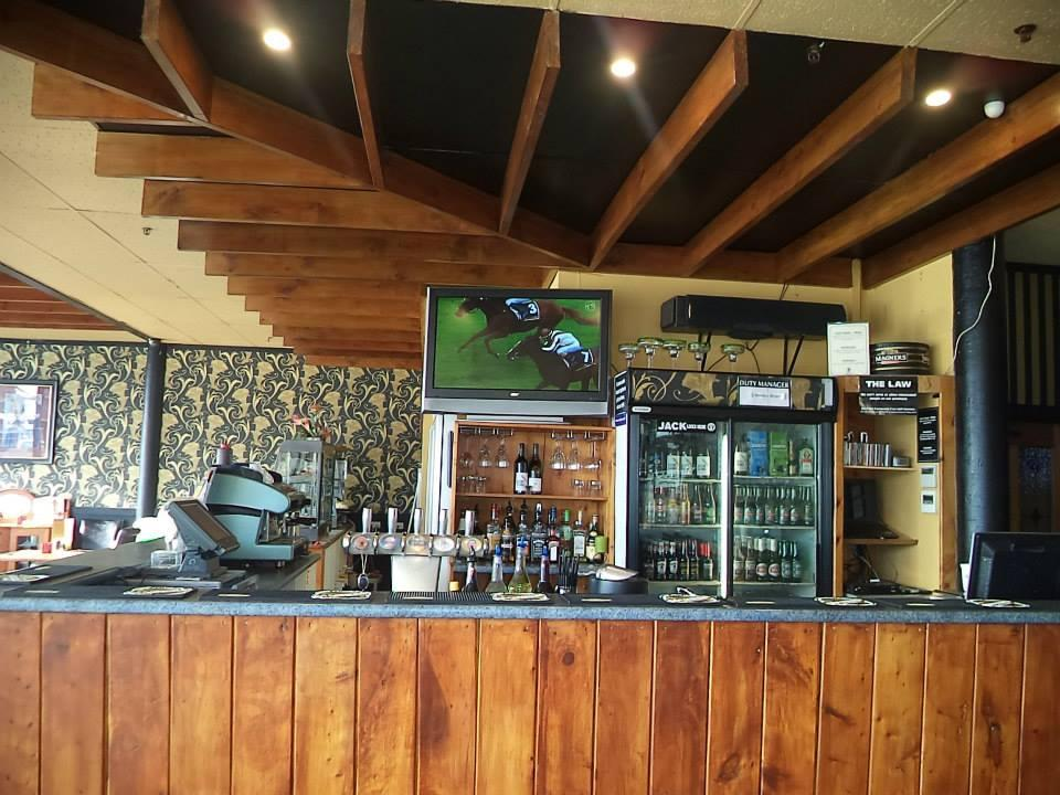 Glasine's Cafe Bar & Gaming