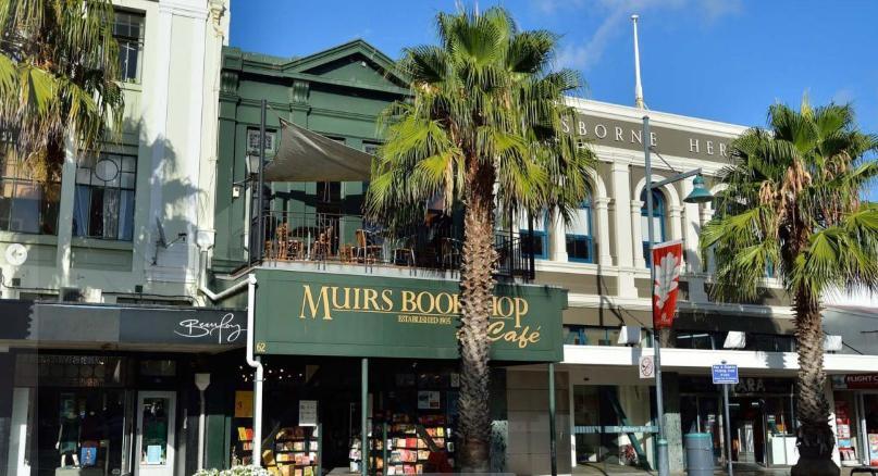 Muirs Bookshop and Cafe