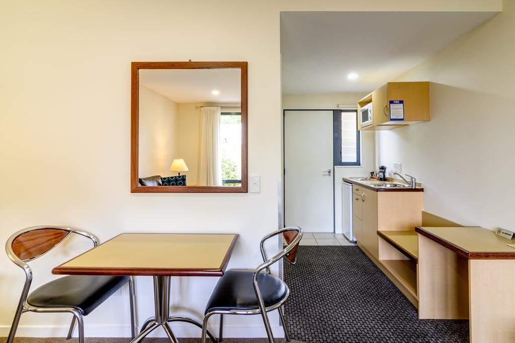 Nautilus Lodge Motel