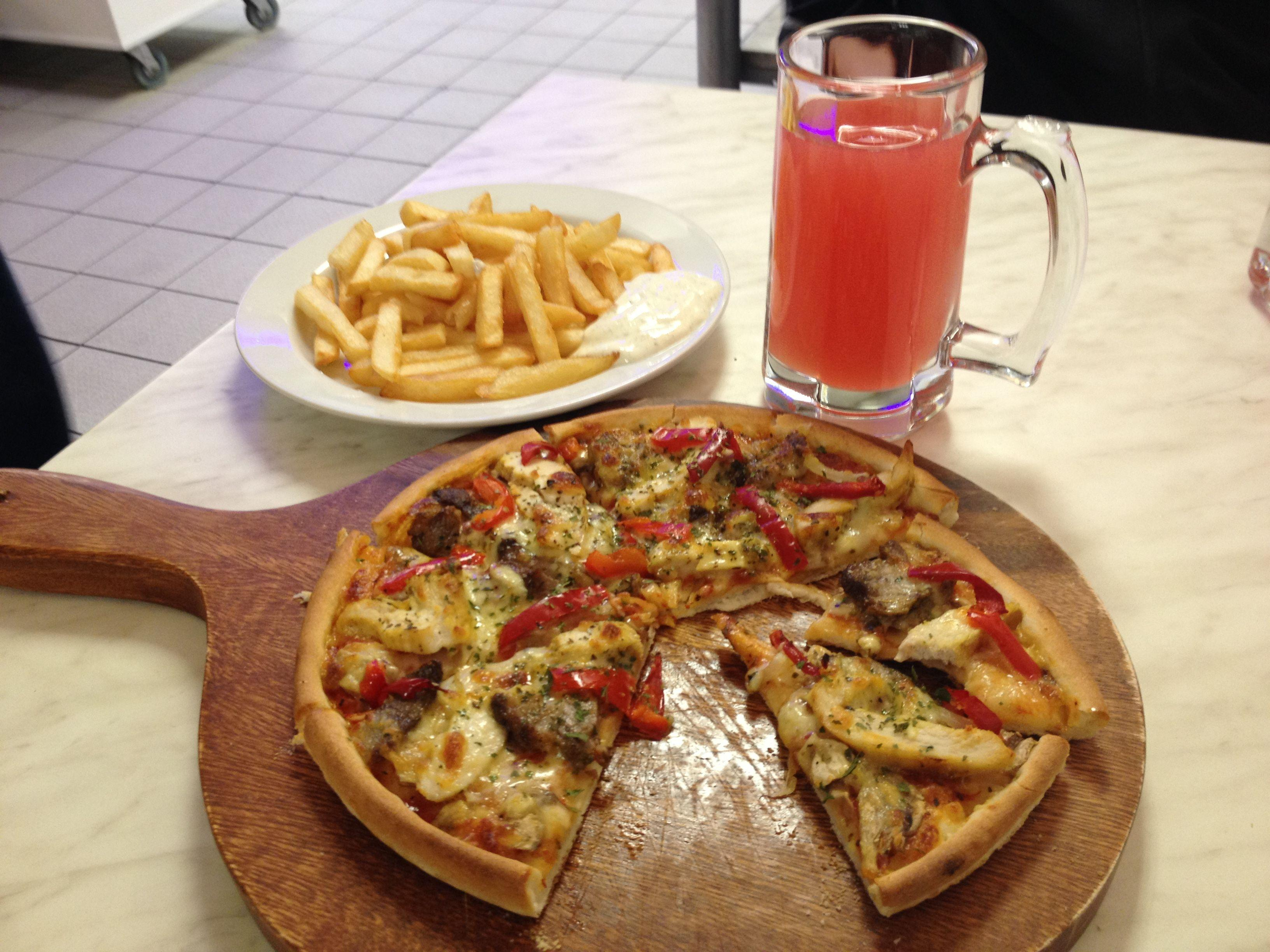 Russell's Gourmet Pizzeria