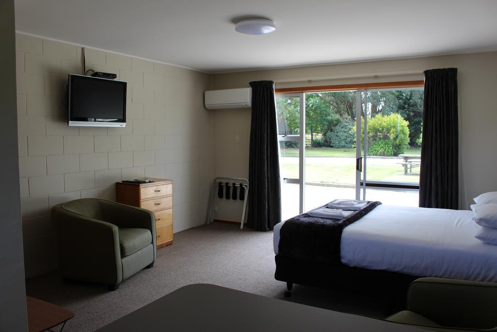 A1 Ward Motel