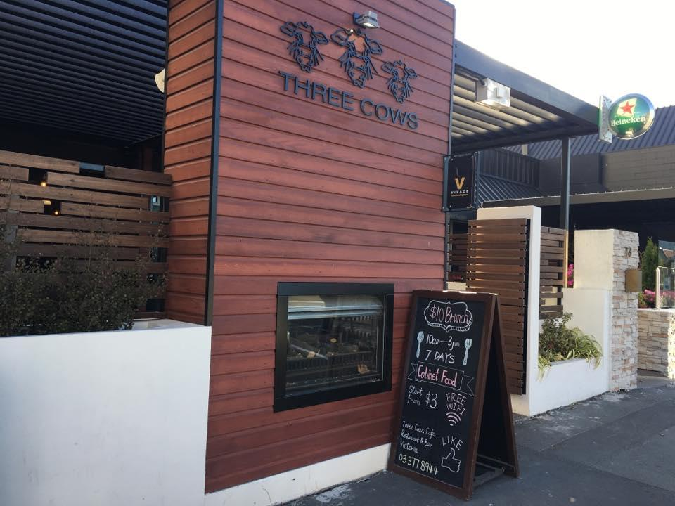 Three Cows Cafe Bar & Restaurant