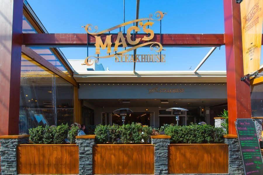 Mac's Steak House