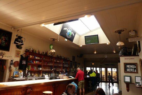 Star & Garter Tavern / Restaurant