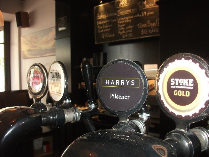 Harrys Nelson Restaurant & Bar