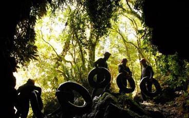 Waitomo Black Water Rafting and Hobbiton Adventure