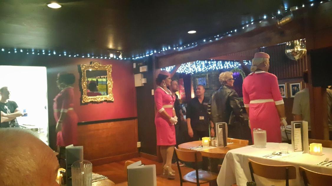 Caluzzi Bar & Cabaret