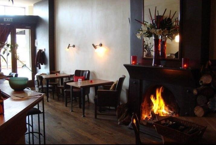 Louies Cafe and Tapas Bar