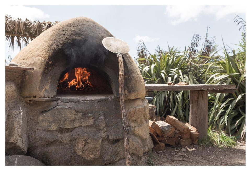 Totos Café & Pizzeria