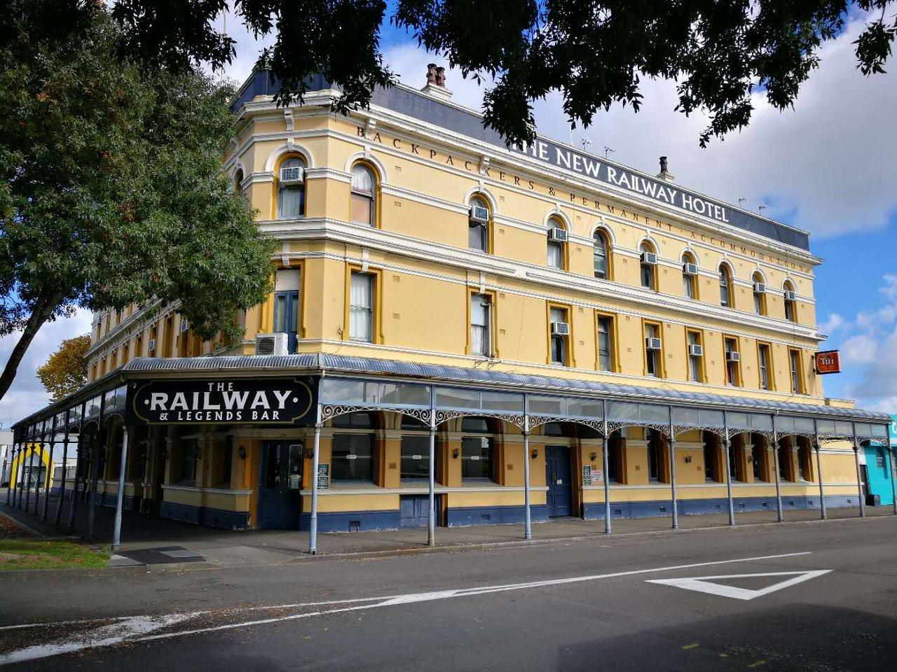 New Railway Hotel