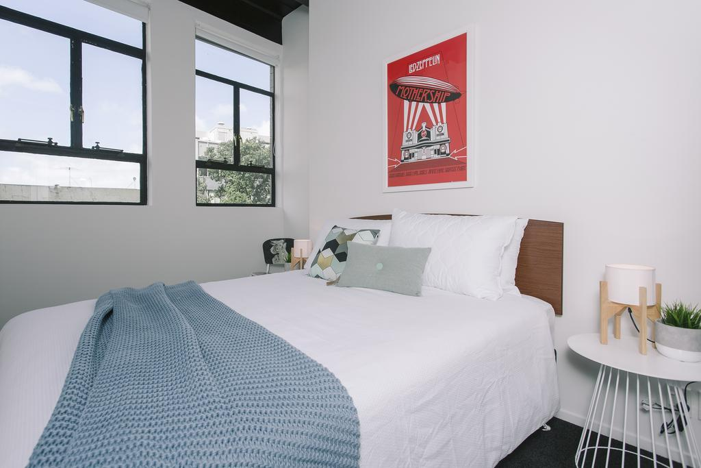 Towny Downtown Haven - 2 Bedrooms