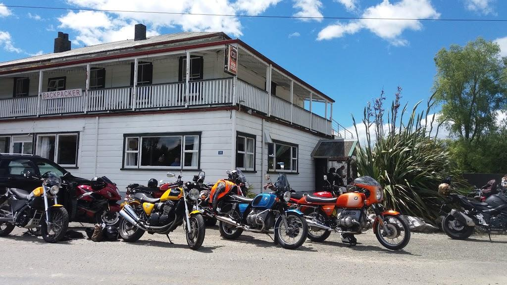 River Inn Bar and Backpackers