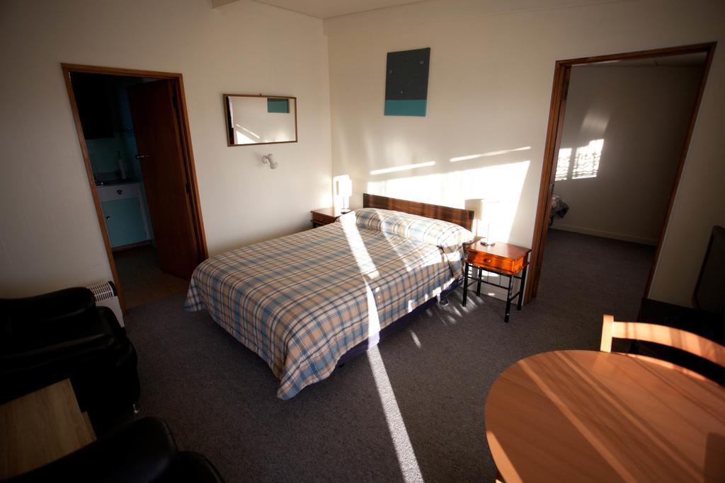 45 on Avenal Motel