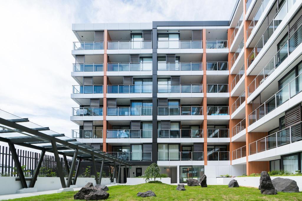 Epsom Central Brand New Apartment