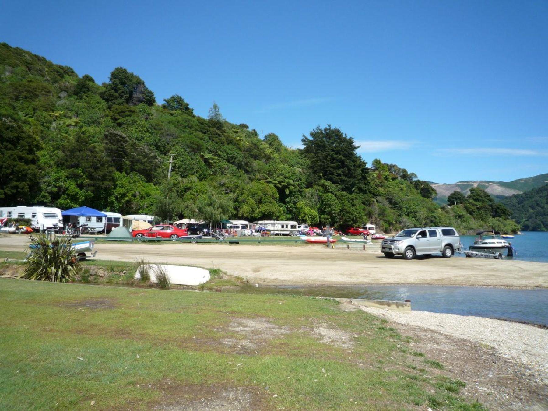 Momorangi Bay Campground