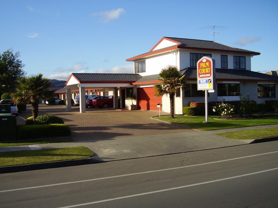 BK's Palm Court Motor Lodge