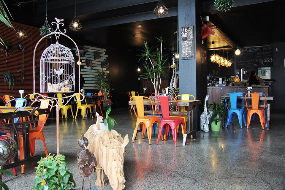 Zoo Eatery & Lounge