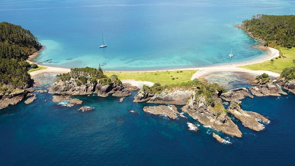 Kirra Tours - Auckland City and Island Wine Tour