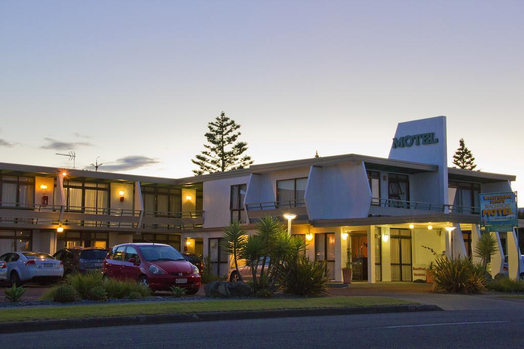 Whispering Sands Beachfront Motel