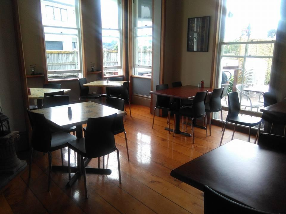 25 Somme Parade Cafe/Restaurant