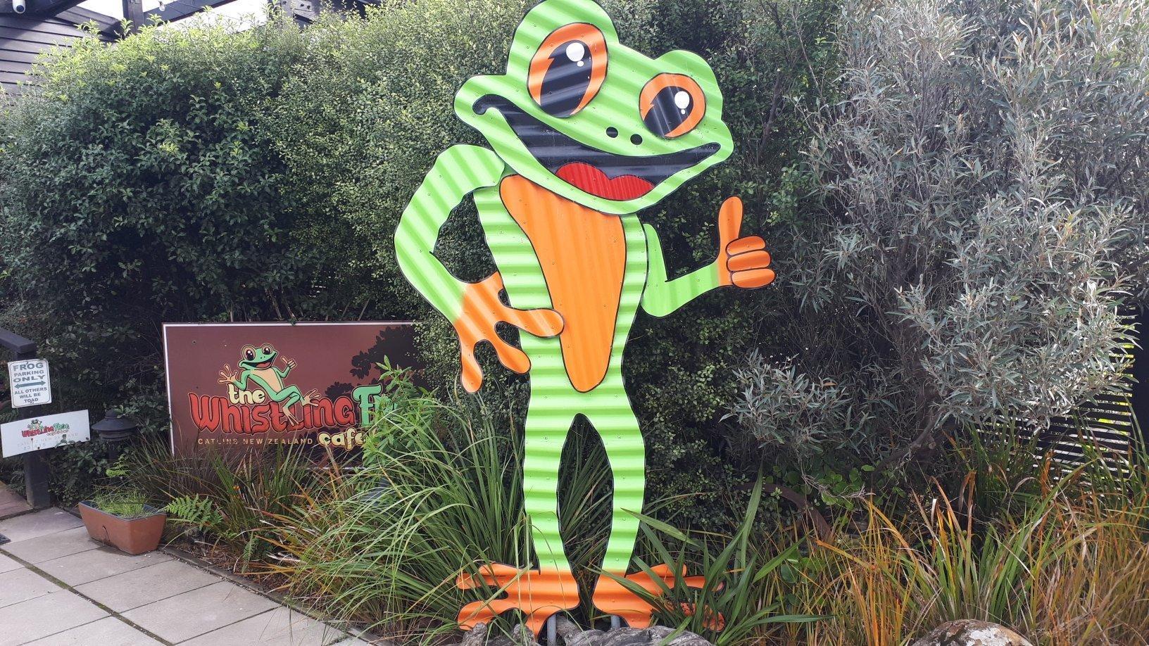 Whistling Frog Cafe & Bar